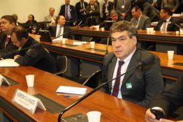 Everton Calamucci participa de audiência pública para decidir o futuro da Placa Mercosul
