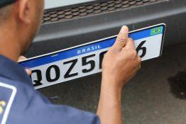 Fenadesp pede esclarecimentos sobre credenciamento de fabricantes de placas no RJ